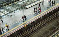 鉄道自殺、健康問題が最多